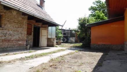 Dunakeszi eladó családi ház