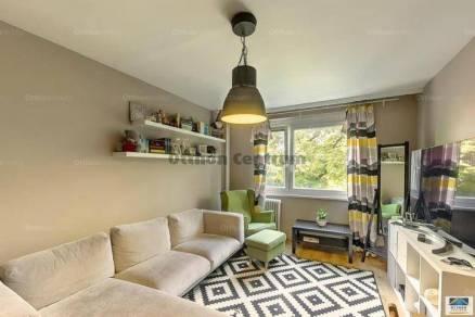 Eladó 2+1 szobás lakás Székesfehérvár