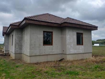 Új Építésű eladó családi ház Nyíregyháza, 4 szobás