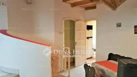Siófoki eladó ikerház, 4+3 szobás