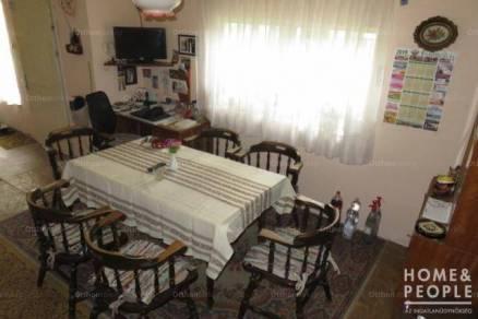 Balástyai családi ház eladó, 100 négyzetméteres, 3 szobás