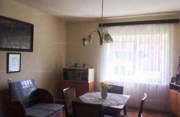 Kapuvári családi ház eladó, 100 négyzetméteres, 3 szobás