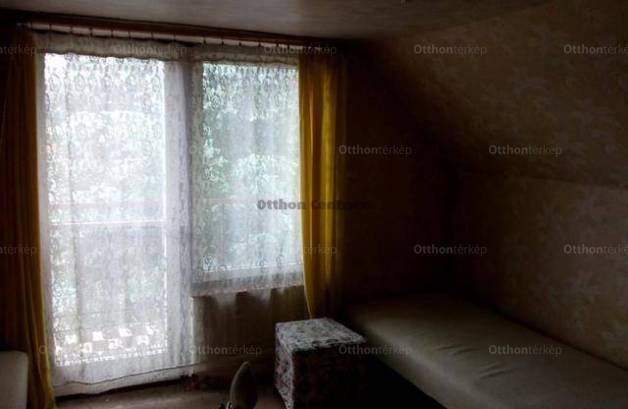 Eladó lakás Isaszeg a Kinizsi Pál utcában, 6 szobás
