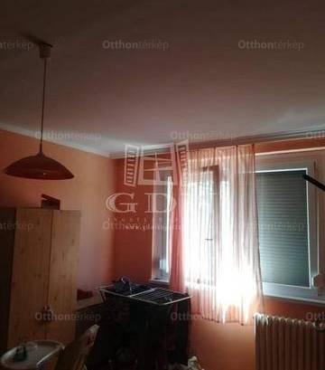 Lakás eladó Oroszlány, 36 négyzetméteres