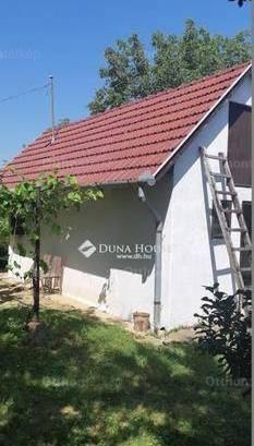 Pécsi eladó telek, a Horvát-Földi dűlőn