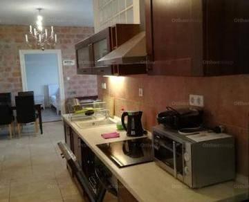 Pécsi kiadó lakás, 2+1 szobás, 67 négyzetméteres