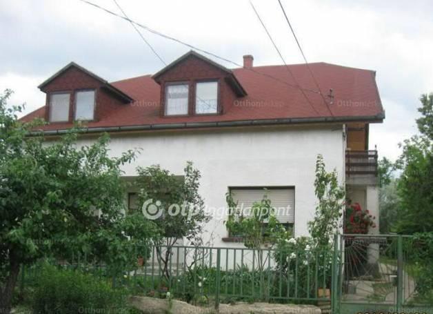 Eladó ház Enying Bocsor István utca, 5+1 szobás