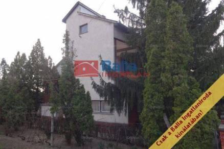Eladó családi ház Tiszakécske a Kőrösi utcában, 4 szobás
