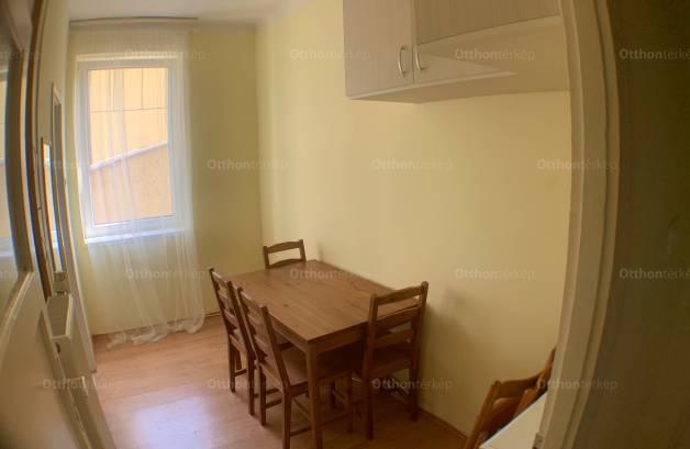 Eger 1+1 szobás lakás eladó az Egészségház utcában 3.
