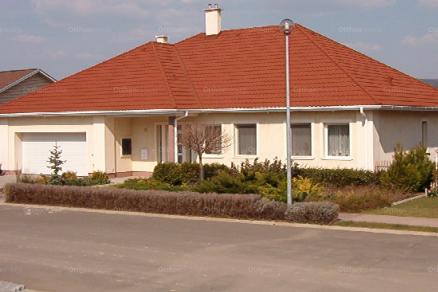 Budajenő, Pacsirta utca 22.