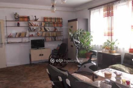 Eladó lakás Eger, 3+1 szobás