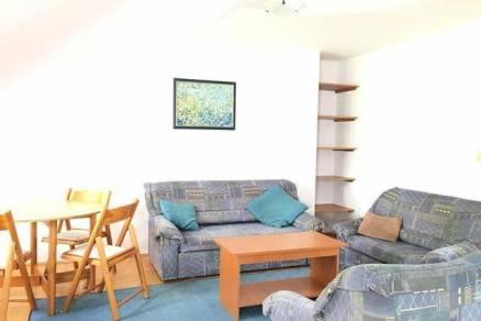 Pécsi kiadó házrész, 3 szobás, 65 négyzetméteres