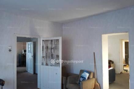 Eladó családi ház Ecséd, 3+1 szobás