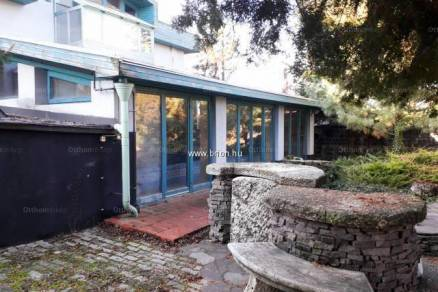 Hernádi családi ház eladó, 300 négyzetméteres, 10 szobás