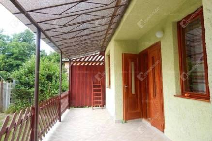 Parádi eladó családi ház, 3 szobás, 80 négyzetméteres
