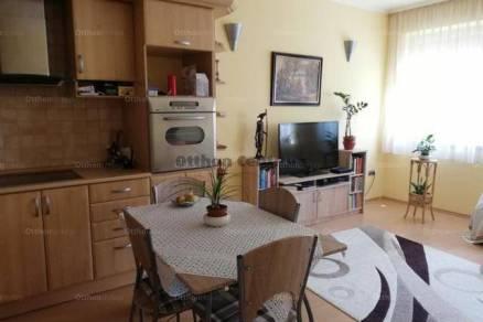 Eladó 1+1 szobás lakás Baja