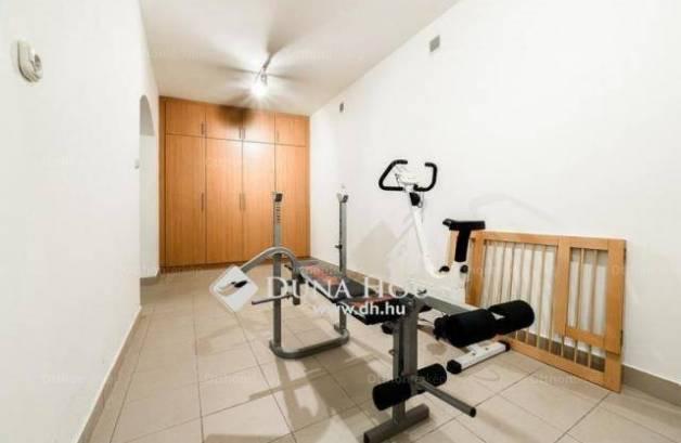 Eladó 5+1 szobás ikerház Széchenyihegyen, Budapest, János Zsigmond utca