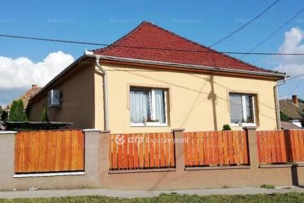 Eladó 1+2 szobás családi ház Ecséd
