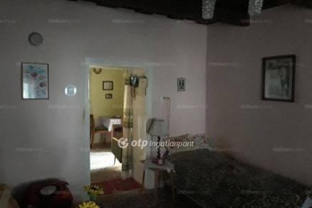 Eladó 1+1 szobás családi ház Csány