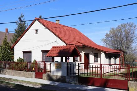 Eladó családi ház Balatonederics, 2+1 szobás
