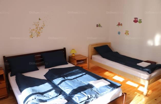 Eladó, Balatonederics, 2+1 szobás