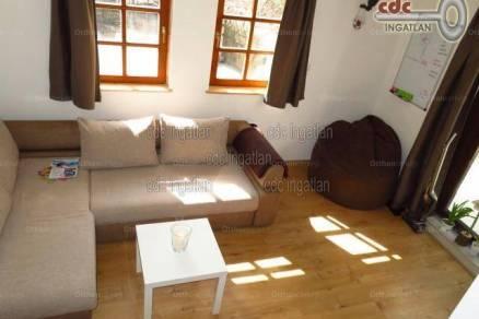 Budapesti eladó családi ház, 5 szobás, 417 négyzetméteres