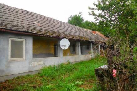 Perkáta eladó családi ház