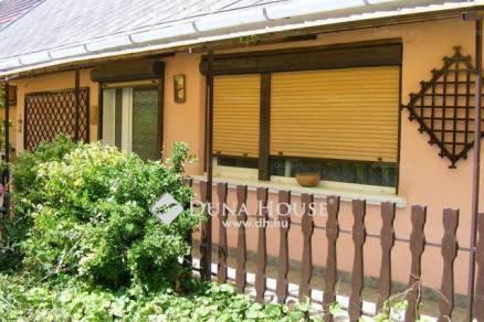 Eladó 2 szobás családi ház Enying