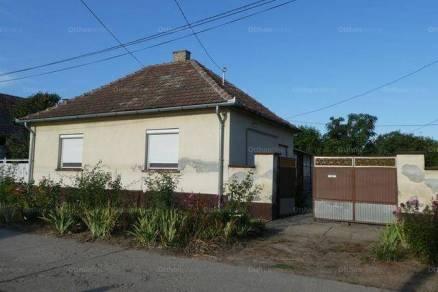 Felsőszentiván családi ház eladó, Felszabadulás utca, 3 szobás