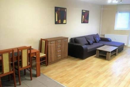 Pécsi lakás kiadó, 82 négyzetméteres, 3+1 szobás