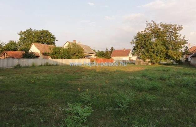 Hajdúszoboszlói telek eladó, 1341 négyzetméteres