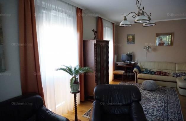 Budapesti eladó lakás, Újpalotán, Kőrakás park 38..