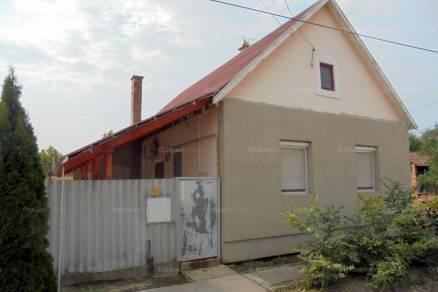 Családi ház eladó Kiszombor, 90 négyzetméteres