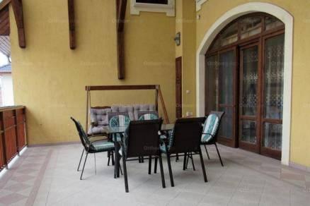 Kiadó 9 szobás családi ház Debrecen
