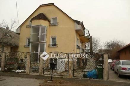 Eladó családi ház Tatabánya, 7+2 szobás