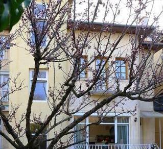 Eladó 11 szobás családi ház Tisztviselőtelepen, Budapest, Benyovszky Móric utca