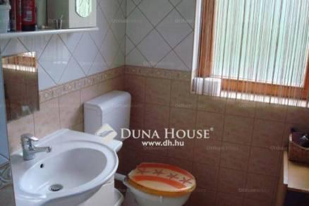 Eladó családi ház Királyerdőn, XXI. kerület, 3+2 szobás