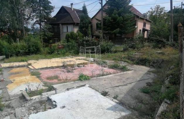 Eladó telek Miskolc a Lőcsei utcában