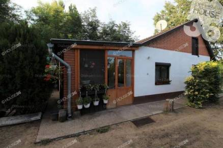 Kiskunfélegyházai családi ház eladó, 69 négyzetméteres