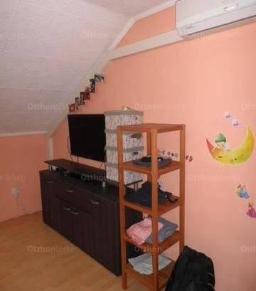 Eladó 3 szobás ikerház Üllő