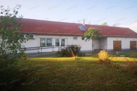 Eladó 2 szobás családi ház Fülöpháza