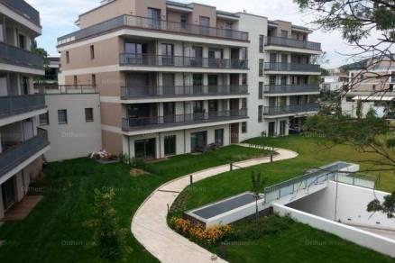 Eladó, Balatonfüred, 1+2 szobás