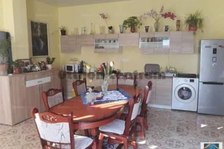 Tevel 2+1 szobás családi ház eladó a Dorogi utcában
