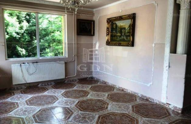 Budapesti családi ház eladó, 140 négyzetméteres, 3+2 szobás