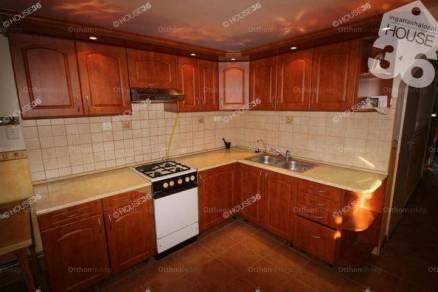 Városföld 3 szobás családi ház eladó az Ady Endre utcában