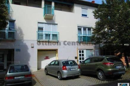 Balatonboglár 4 szobás lakás eladó