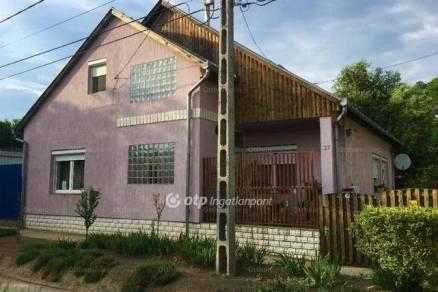 Családi ház eladó Jánoshalma, 160 négyzetméteres