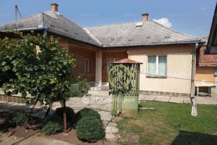 Eladó 3+1 szobás családi ház Adács