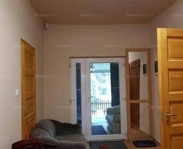 Tiszaújvárosi családi ház eladó, 104 négyzetméteres, 3 szobás