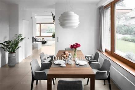 Budapest eladó családi ház Királyerdőn, 180 négyzetméteres